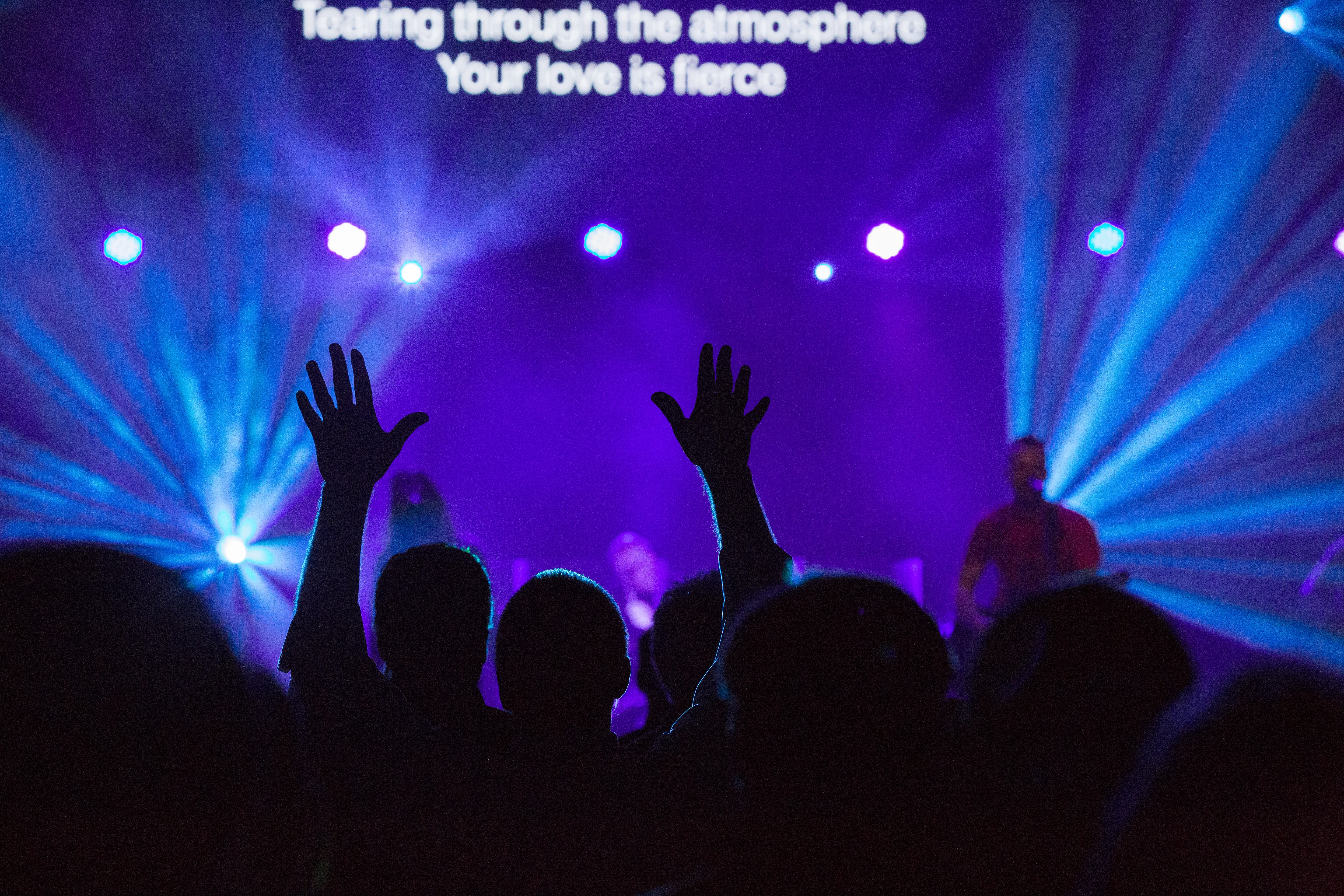 Photo of a worship event by Bill Hamway on Unsplash
